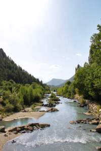 Этот маленький ручей прорезал каньон длиной 19 км