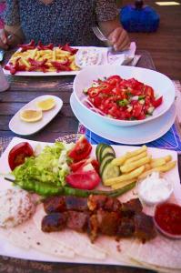 цены на еду в ресторанах Аланьи