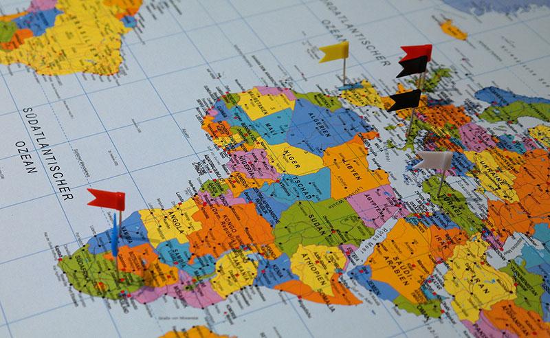 как переехать в другую страну